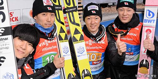 団体銅メダルに輝いた日本チーム
